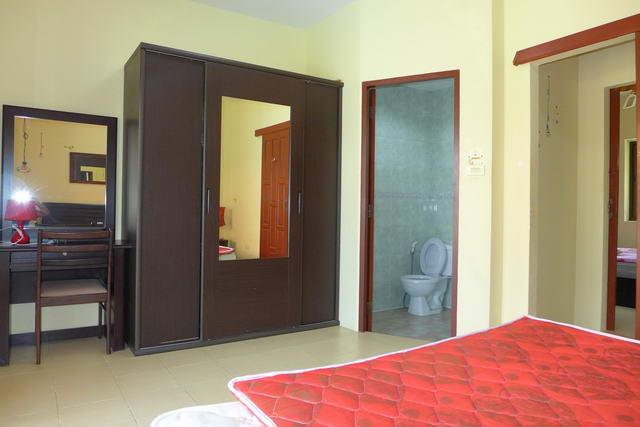 28 Schlafzimmer