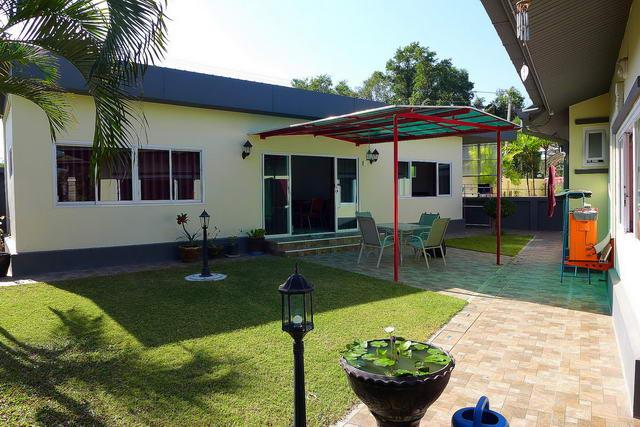 freistehendes Haus mit separatem Gastehaus zu verkaufen