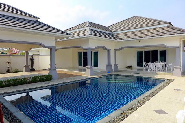 Freistehende Villa mit schonem Pool zum Verkauf