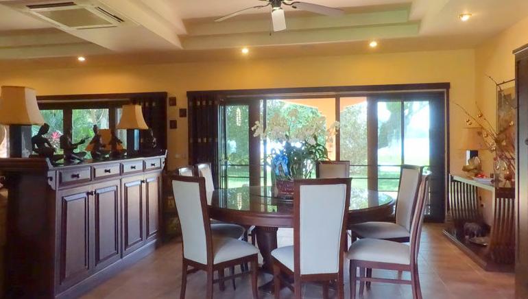 Pattaya Poolvilla mit Seeblick und eigenem Seeufer 12