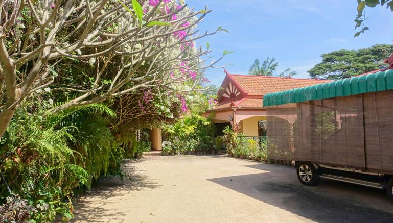 Pattaya Poolvilla mit Seeblick und eigenem Seeufer 3